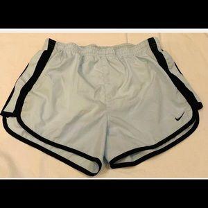 Nike Dri Fit Women's Size Small Running shorts